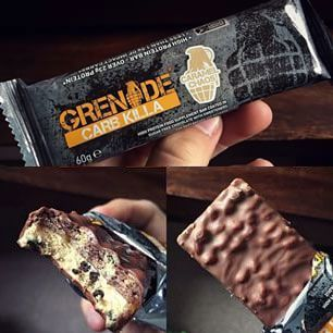 grenade-carb-killa-protein-bar-view-with-hands